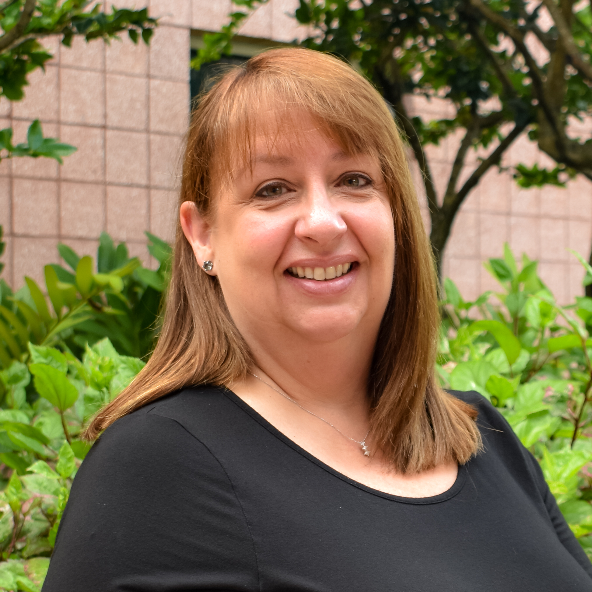 Betsy Zollinger Assistant to the Director of Admissions